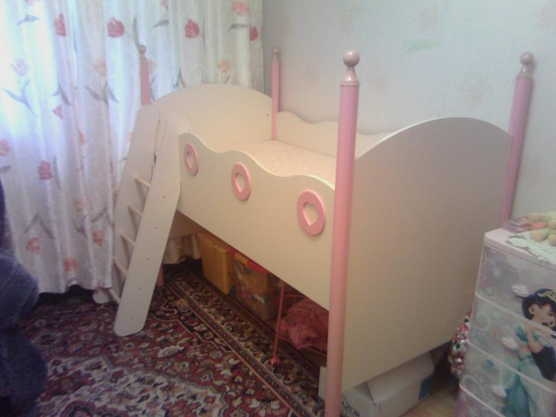 Детскую кровать для девочки от 3 лет бу