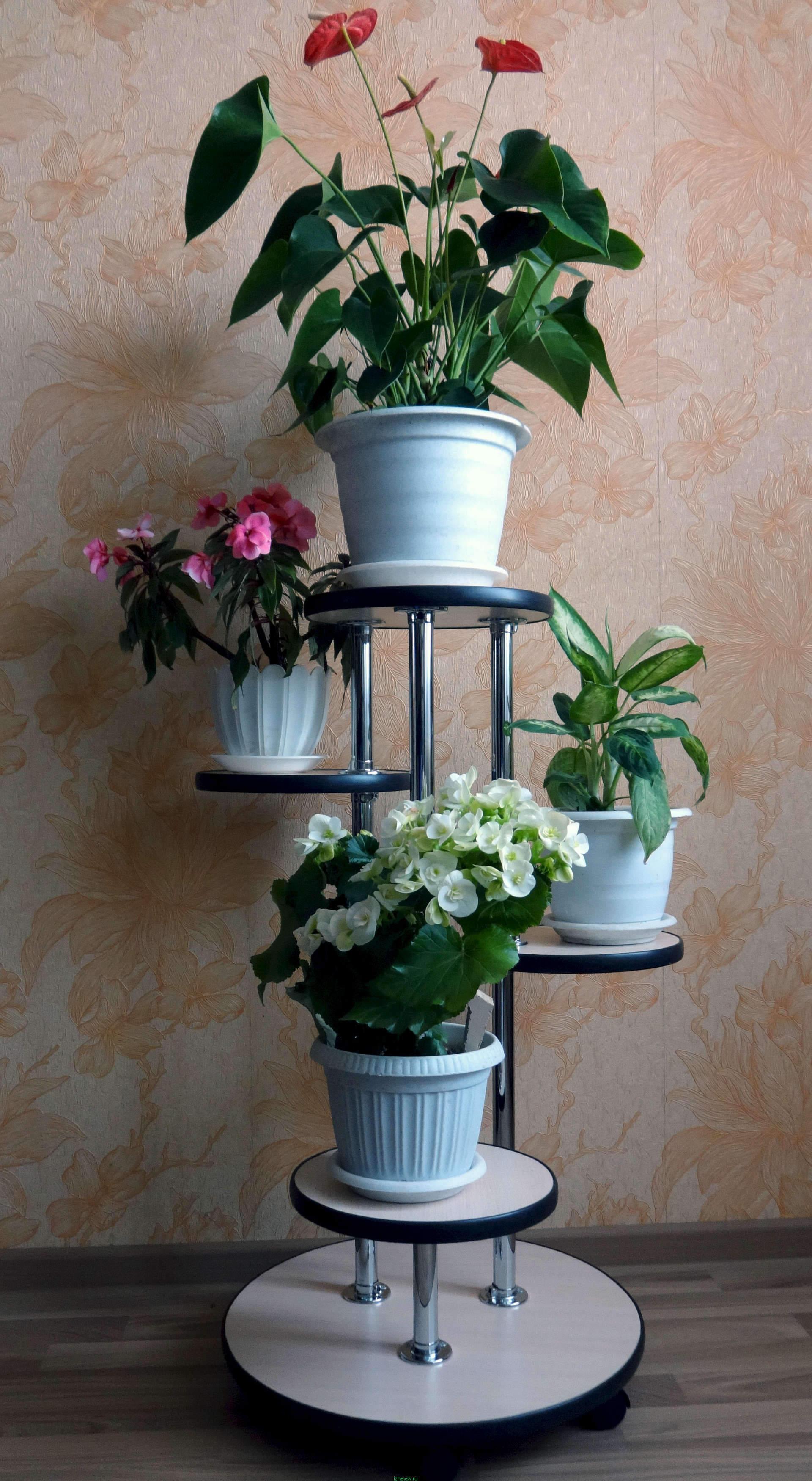 Стойка для цветов из подручных материалов