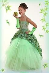 400 X 600 43.4 Kb 682 X 1024 176.9 Kb 853 X 1280 120.1 Kb Волшебные наряды для принцесс. ВОЗОБНОВИМ?
