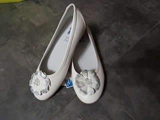 1920 X 1440 167.0 Kb Продажа детской обуви