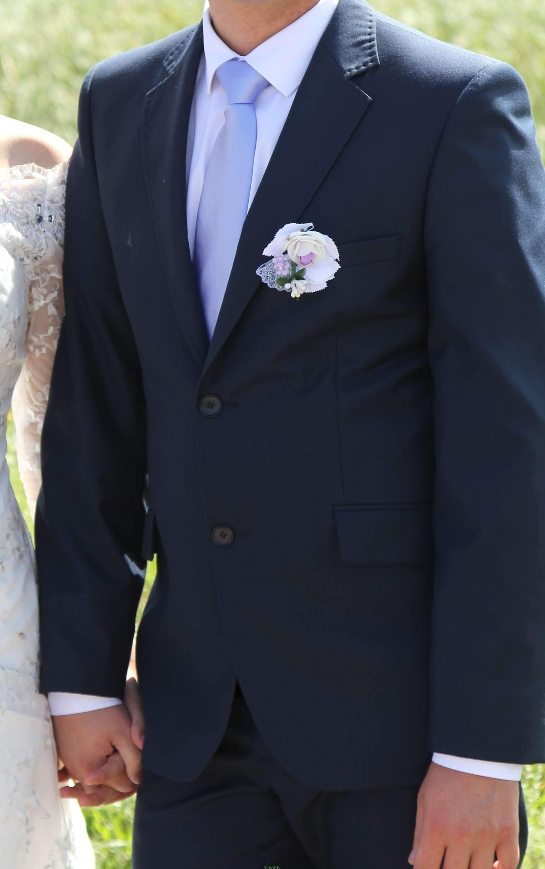 Деловые женские костюмы на свадьбу