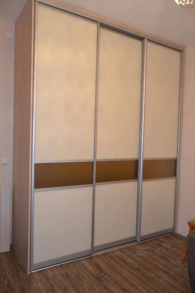 Шкафы купе  сатинированное зеркало