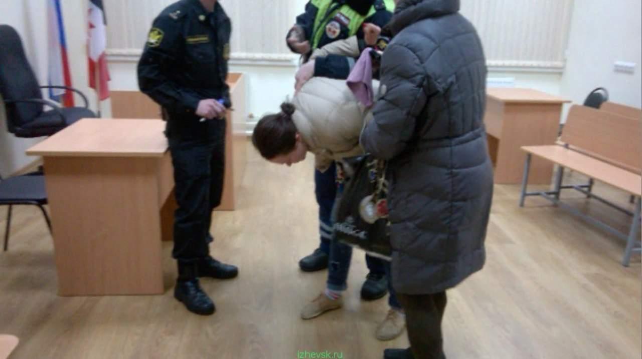 Секс российских ментов в форме 15 фотография