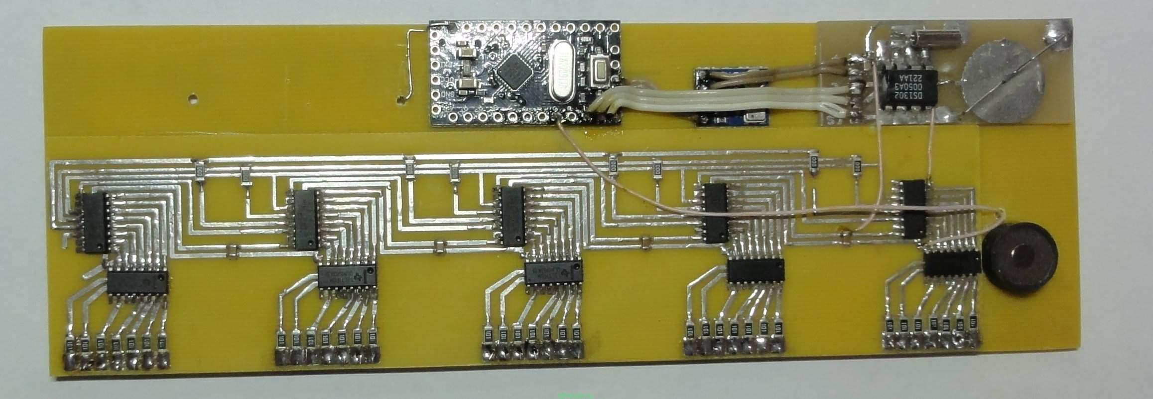 схема часов с термометром на светодиодах
