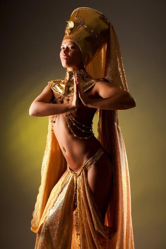 стриптиз восточной женщины всему