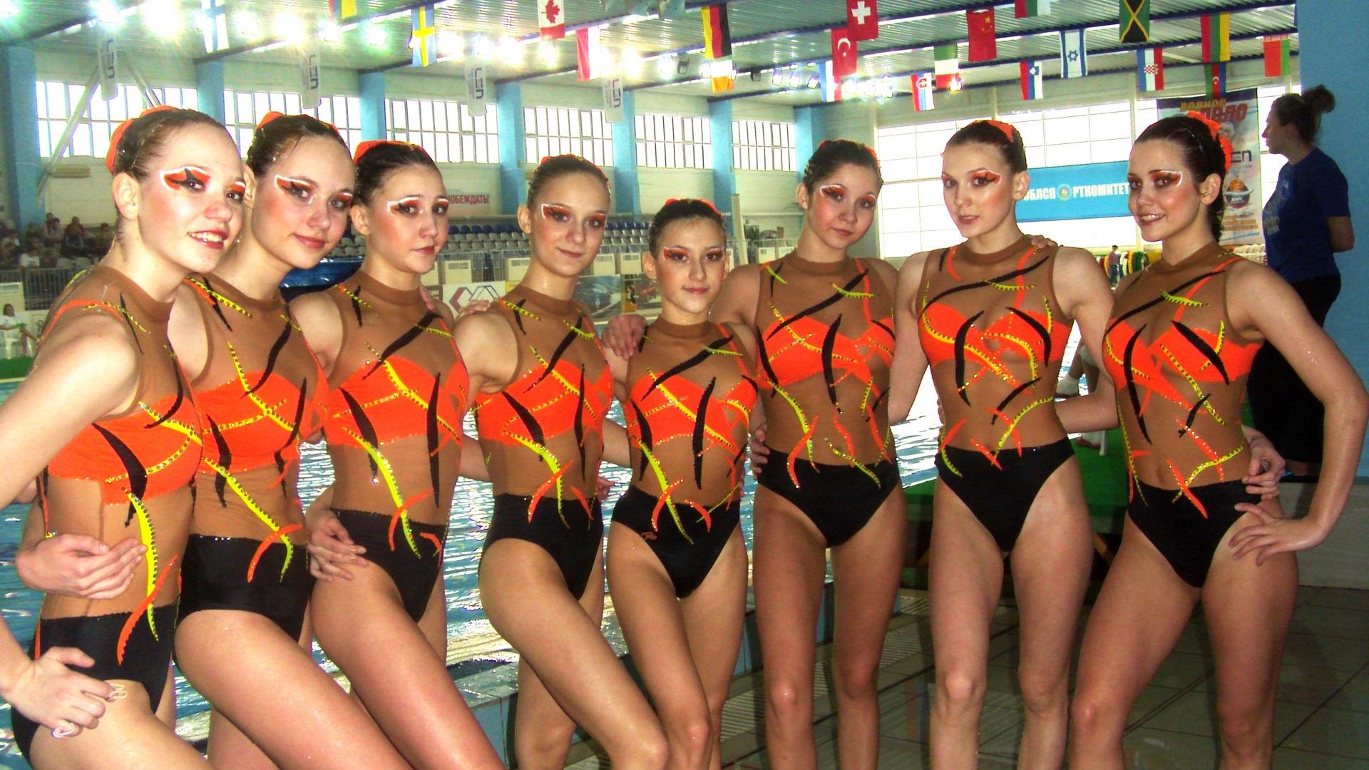 фото девушек синхронное плавание