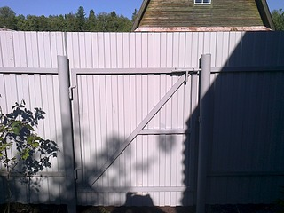 1920 X 1440 635.5 Kb Забор из профнастила
