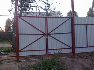 1920 X 1440 599.0 Kb Забор из профнастила