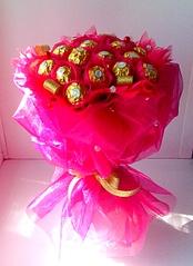 1920 X 2640 361.0 Kb Букеты из конфет. Сладкие подарки.