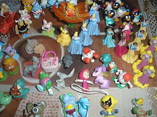1920 X 1440 821.7 Kb 1920 X 1440 947.4 Kb 'Обмен игрушками из Киндер сюрпризов'