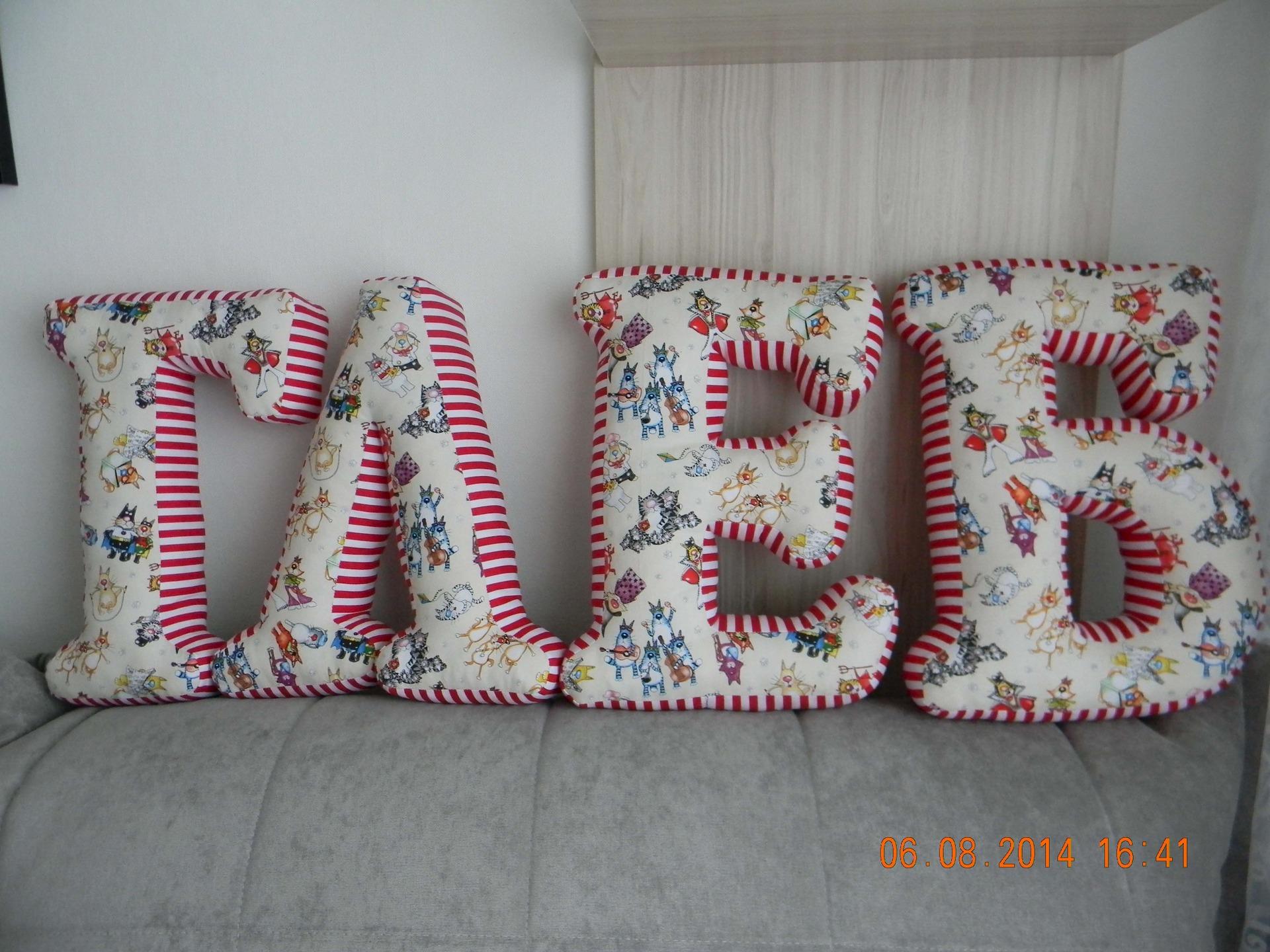 именные буквы-подушки фото