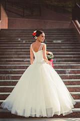 1920 X 2880 344.2 Kb 1920 X 2879 762.8 Kb 1920 X 2560 357.0 Kb продам очень красивое свадебное платье