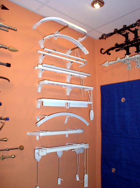 Карнизы к стене для штор фото