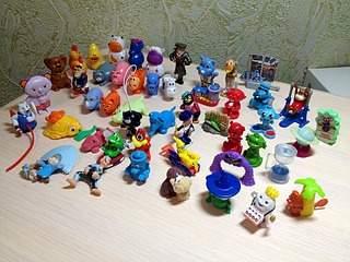 1920 X 1440 774.3 Kb 'Обмен игрушками из Киндер сюрпризов'