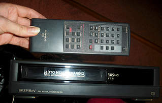 1920 X 1228 224.6 Kb 1920 X 759 763.2 Kb Продам видеокамеру и видеомагнитофон