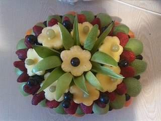 1920 X 1440 590.9 Kb 1920 X 1440 665.1 Kb Букеты из конфет, фруктовые букеты, композиции с живыми цветами, топиарии