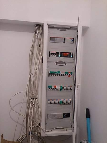 453 X 604  34.2 Kb Электромонтаж, электрик