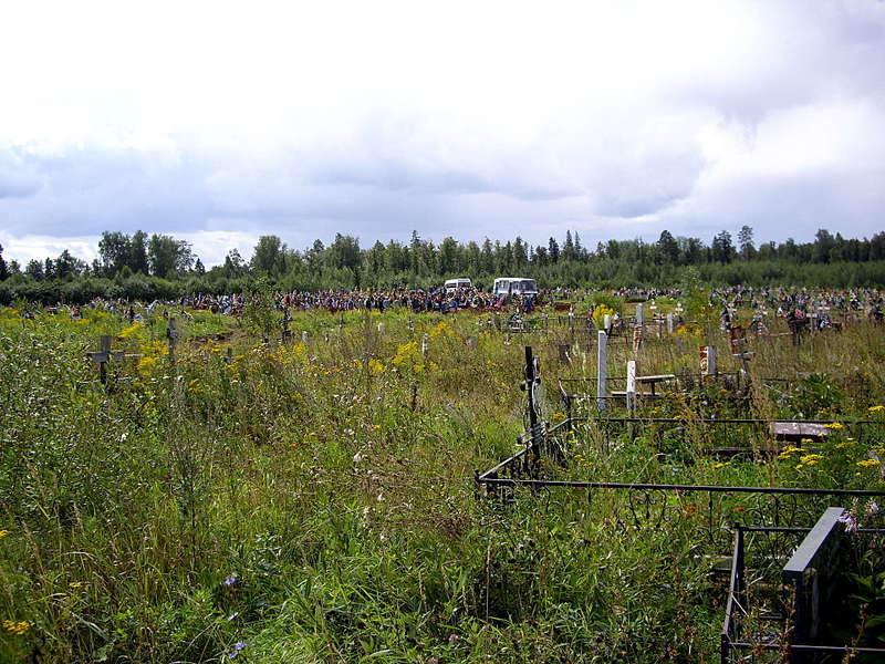 1920 X 1440 499.3 Kb Бардак на кладбищах. Неужели ничего не исправить?