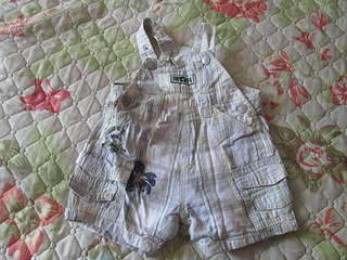 1920 X 1440 310.6 Kb 1920 X 1440 235.9 Kb Продажа одежды для детей.