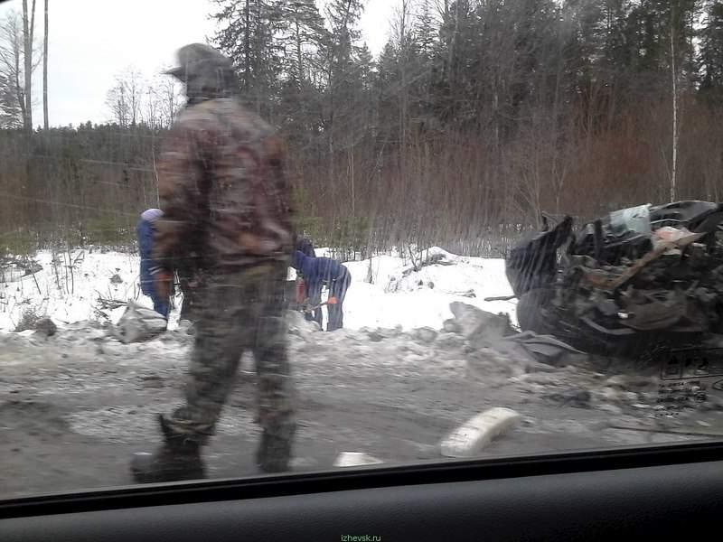 1280 X 960 213.7 Kb 24.11.2015 ДТП около с. Пугачево, ВАЗ, Камаз, Лачетти, 2 погибли.