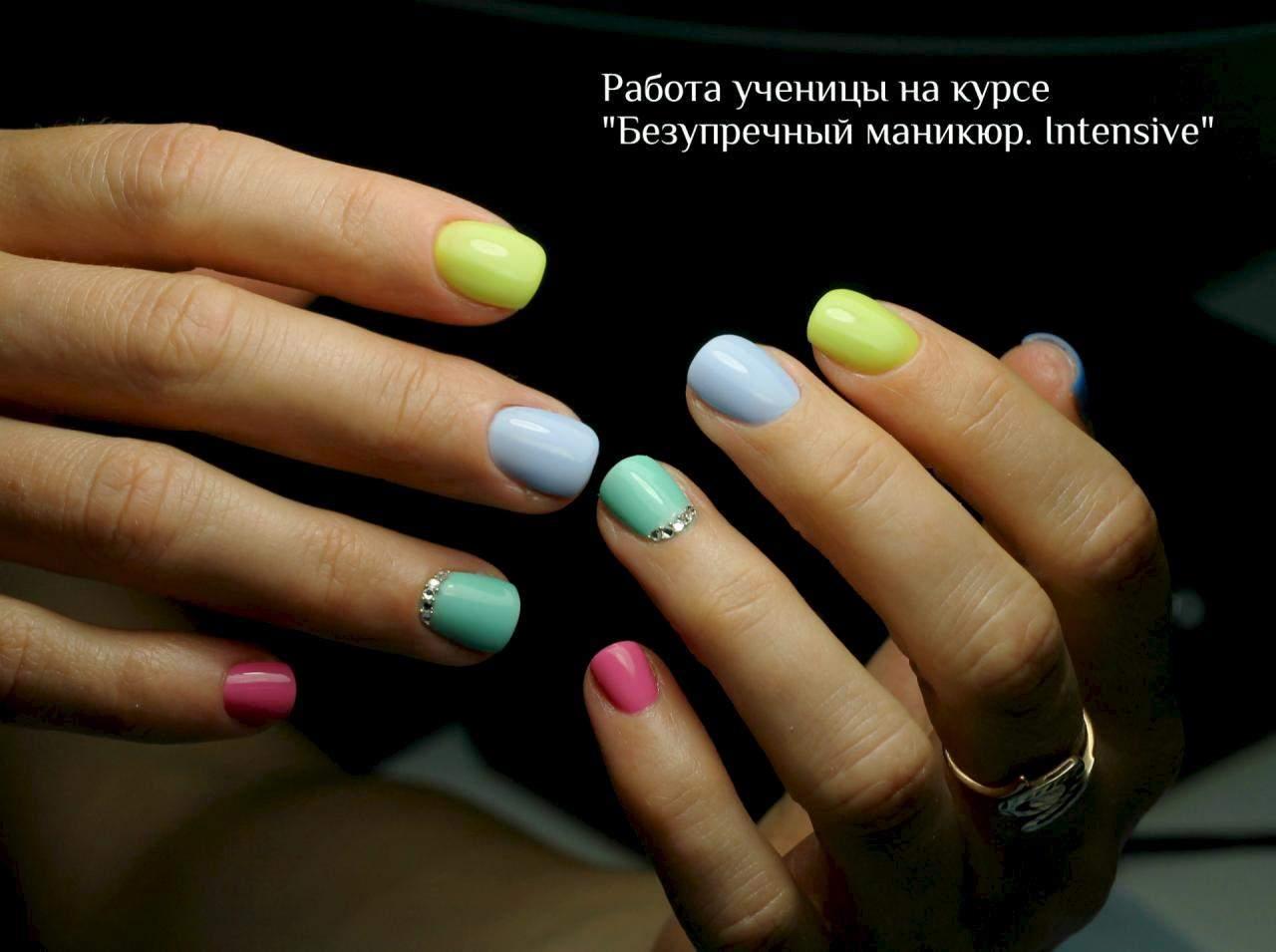 работа девушка модель ногтей своих