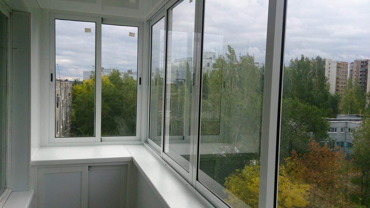 Остекление балкона холодным методом.
